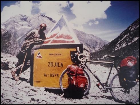 Col de Zjila (3525 m) and le Ladakh et le Cachmire